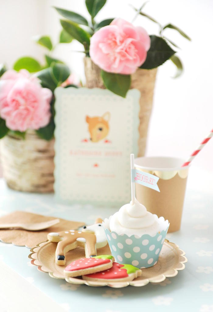 Vintage-Floral-Woodland-Birthday-Party-via-Karas-Party-Ideas-KarasPartyIdeas.com11
